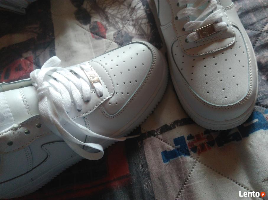 Archiwalne Buty Nike Air Force Low Mężenin Kolonia