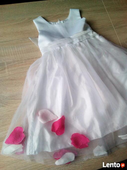 f3c1ed42a9 Wizytowa biała sukienka tiulowa z płatkami róży r. 98