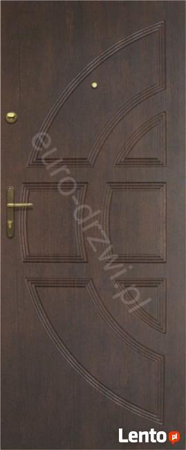 Montaż drzwi , Polskie drzwi z montażem do bloku Poznań