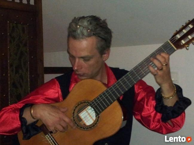Sprzedam pilnie!! doskonałą gitarę klasyczną Ramirez 4NE