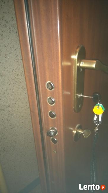 naprawa drzwi gardesa ,zamków mottura