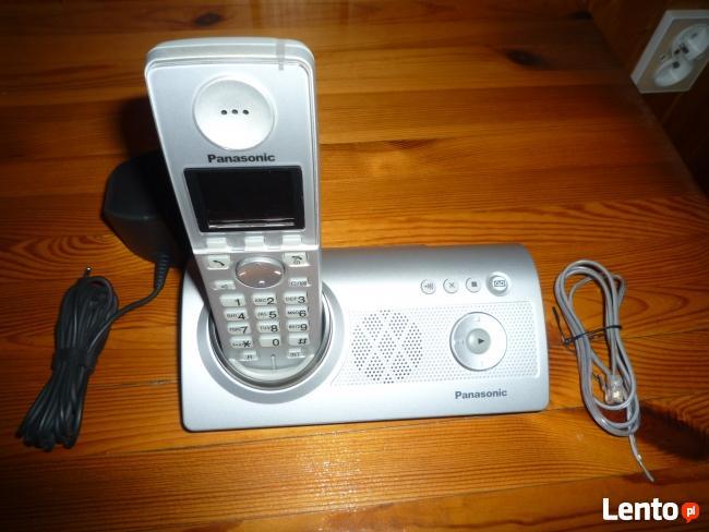 Sprzedam cyfrowy telefon bezsznurowy z automatem zgłoszeń.