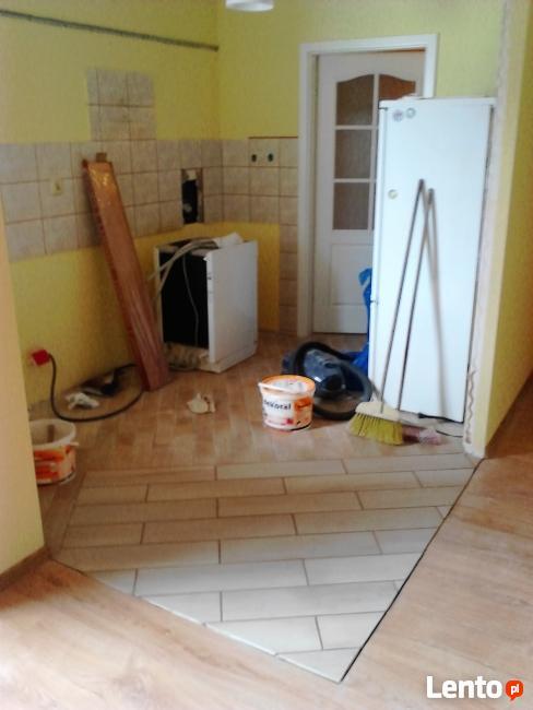 Układanie Paneli Podłogowych i wykładzin dywa od 10 do 15 m2