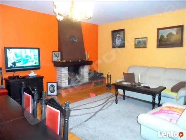 Komfortowy dom położony w cichej i spokojnej okolicy Żyrardo