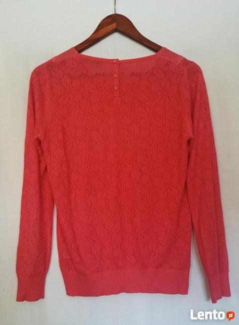 Koronkowy sweterek