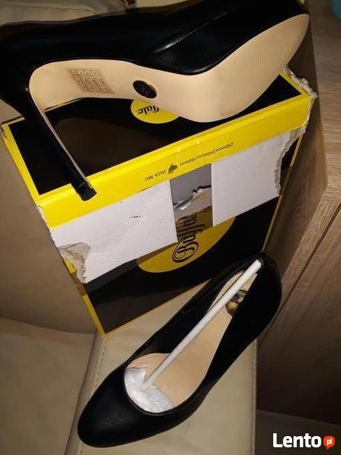 Buty damskie ze skóry firmy Buffalo rozmiar 39