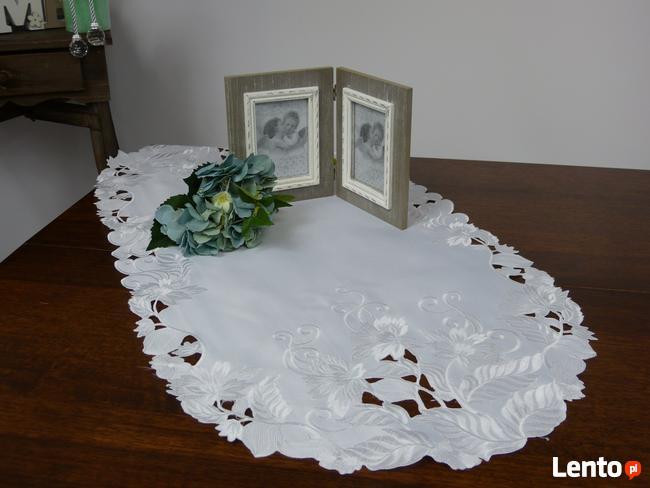 Bieżnik haftowany INKA 50 x 100 cm Biały obrus serweta