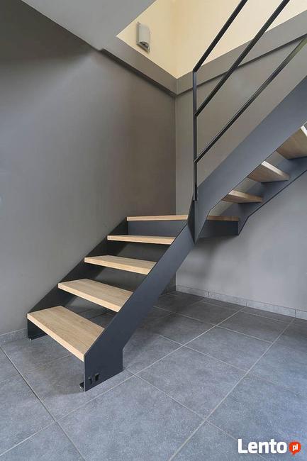 Schody wewnętrzne metalowe - stalowe || loftowe, industrial