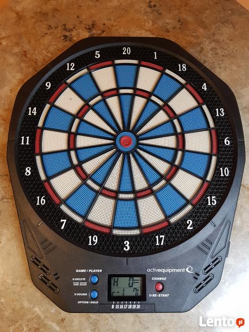 Elektorniczna tarcza do gry w darta, rzutki