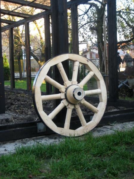kolo drewniane do wozu drabiniastego