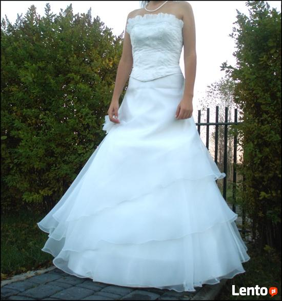 Suknia ślubna śniezno biała