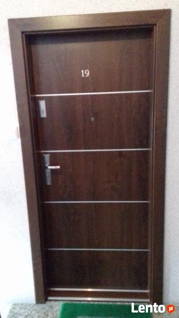 drzwi wejściowe do mieszkania Dachpol