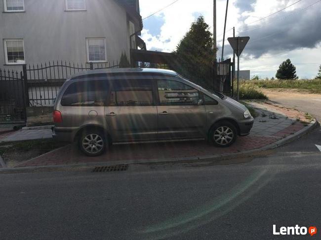 samochód seat alhambra