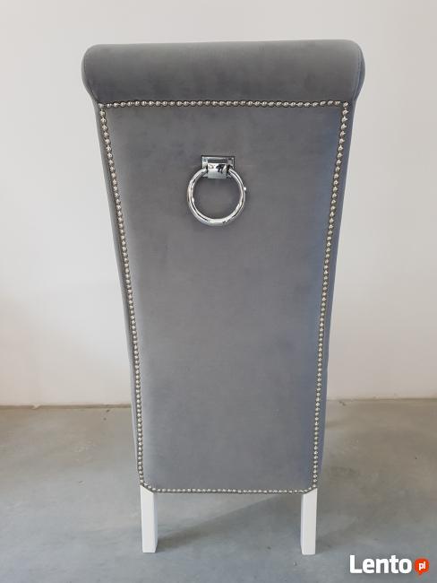 Glamour krzesło tapicerowane z kołatką i pinezkami Producent