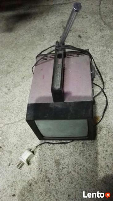 Telewizor micro ryski PRL głębokość 30cm, 15x12cm