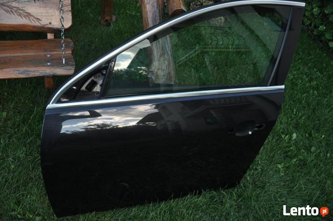 OPEL INSIGNIA -DRZWI PRZEDNIE LEWE sedan-czarny metalik