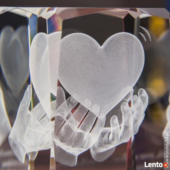 Kryształ 3D z SERCEM na dłoniach - dedykacja gratis!