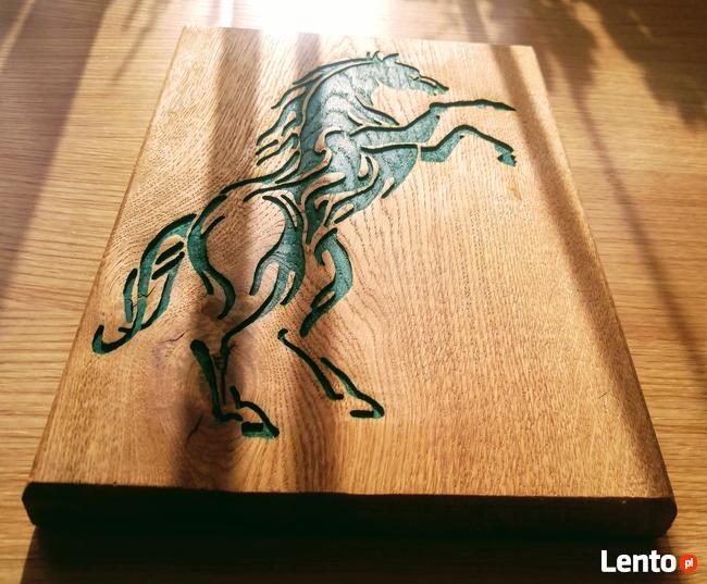 Płaskorzeźba z wizerunkiem konia (prezent, upominek)