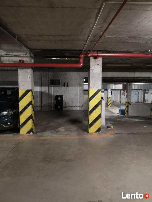Miejsce postojowe garaż podziemny Żelazna 67, 69a, Krochmaln