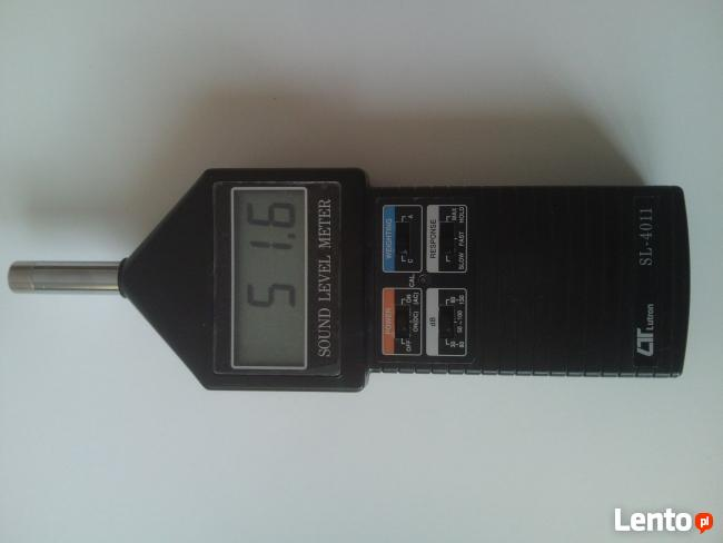Cyfrowy miernik poziomu dźwięku SL-4011