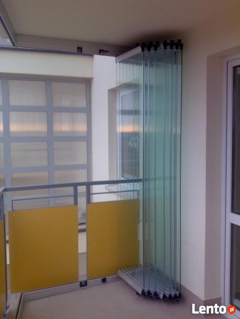 Zabudowa balkonu ramowa i bezramowa
