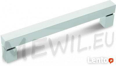 UCHWYT MEBLOWY RE07 A0COO-G008 ROZSTAW 672 MM