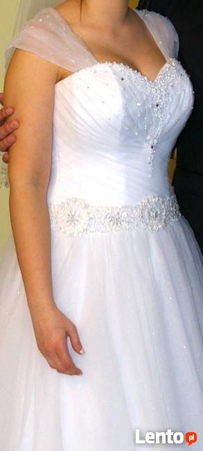 Suknia ślubna, welon gratis.