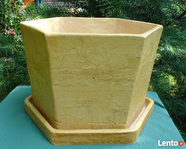 Sprzedam ceramiczną donicę mrozoodporną. 50 x 50 cm.