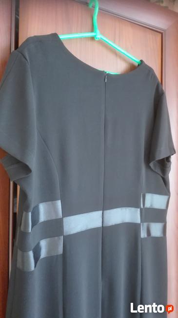 sukienka w kol.czarnym roz.50