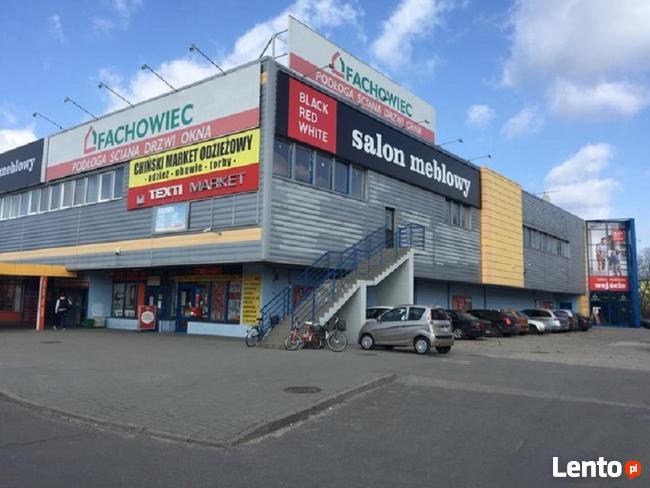 Budynek handlowy w Bełchatowie na sprzedaż!