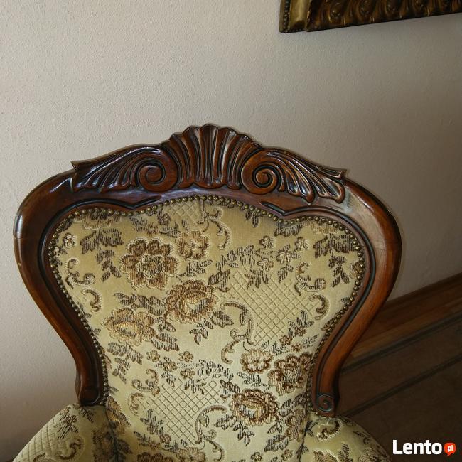 Stolik marmur i mosiądz i fotele eklektyk