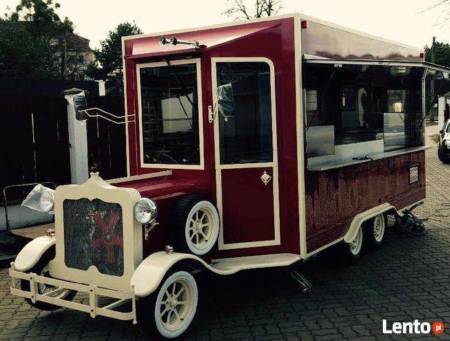 przyczepa gastronomiczna stylizowana na Vintage Food truck