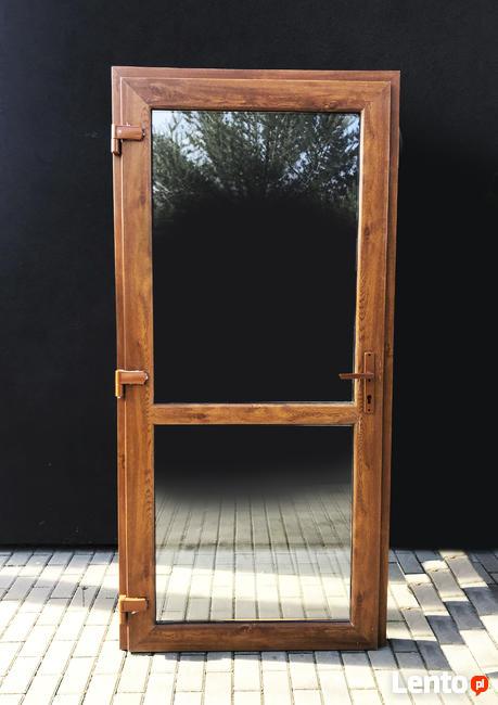 Drzwi PCV wejściowe zewnętrzne o rozmiarze 90x210 w kolorze