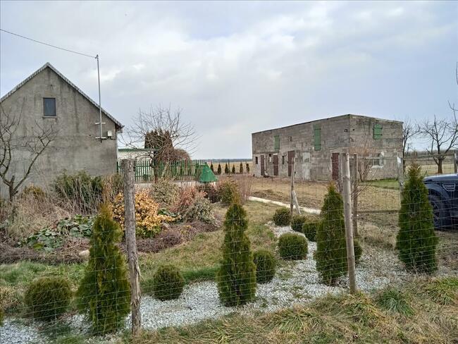 Dom, siedlisko w gminie Powiercie, powiat Kolski