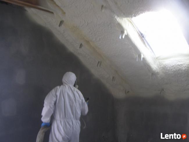 Piana PUR ocieplanie dachów poddaszy oszczędność energii
