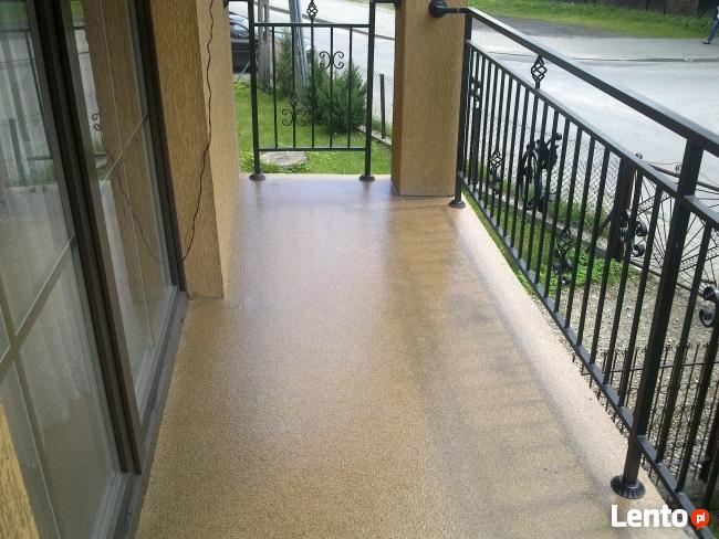 Kamienny dywan 100 % odporny uv z żywicy poliuretanowej UV