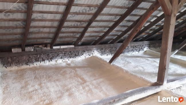 Ocieplenie pianą (PUR) poddasza, dachy, domki szkieletowe