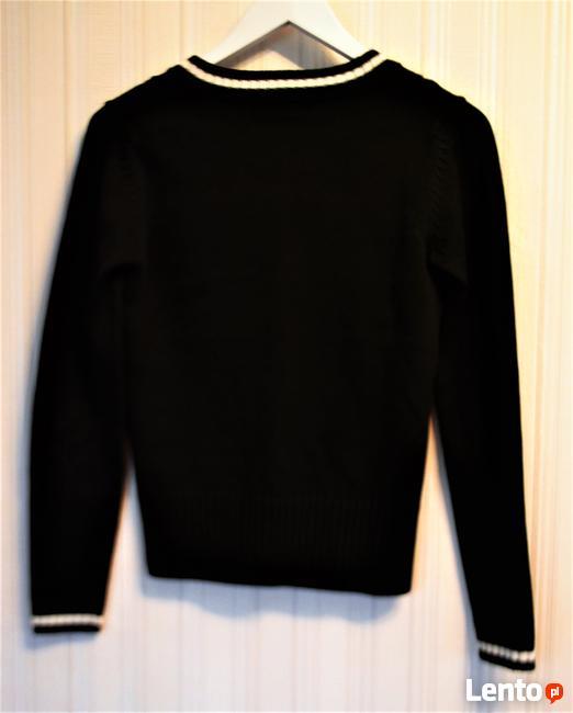 Sweter   S    klasyczny ciemno zielony z wzorem  Sasch