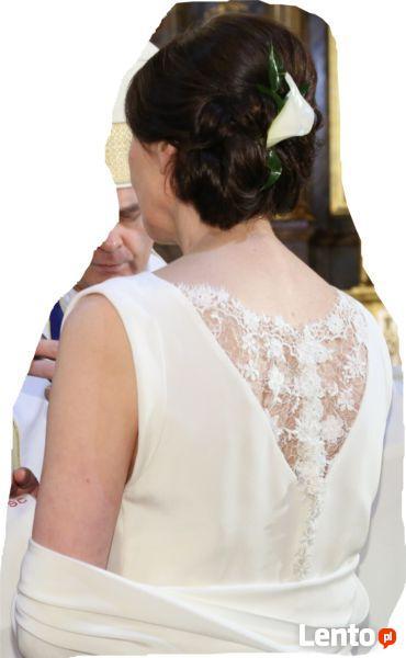 sprzedam  elegancką  suknię  ślubną   krep. jedwab   koronka