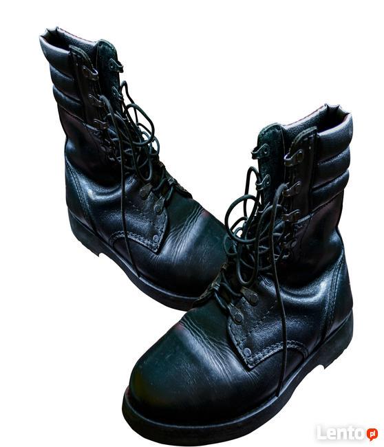 Sprzedam buty wojskowe czarne w stanie dobrym