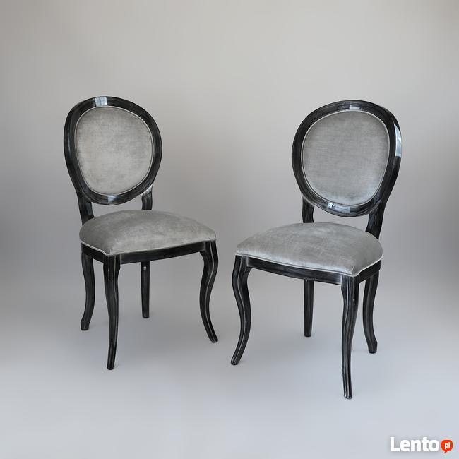 Komplet nowoczesnych krzeseł do jadalni