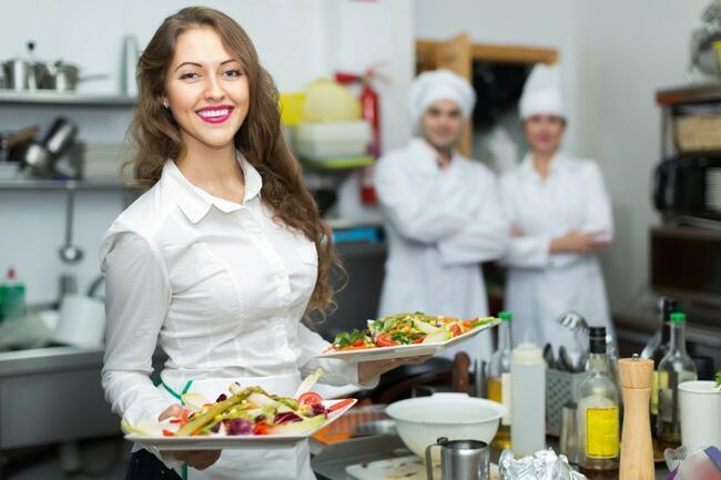 Kelner / Pomoc kuchenna