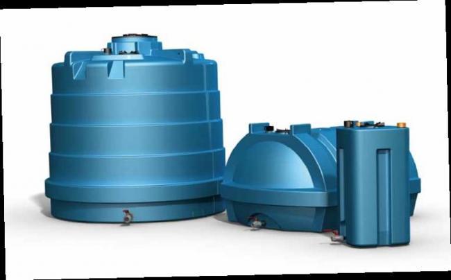Zbiorniki naziemne na wodę pitną.