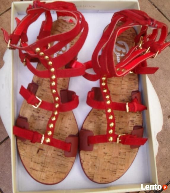 Sandały Bata rozmiar 38, czerwone