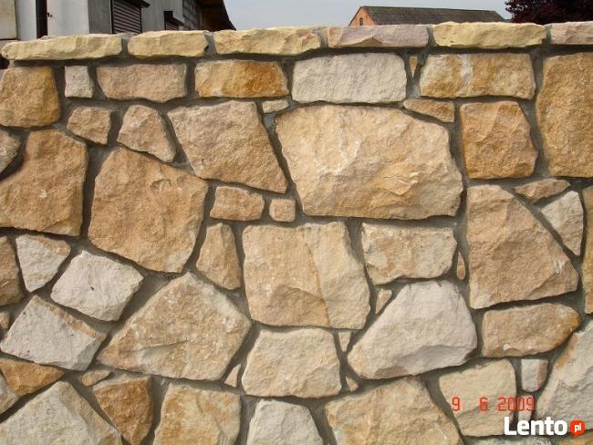 elewacja z kamienia, ogrodzenie z piaskowca,kamieniarstwo