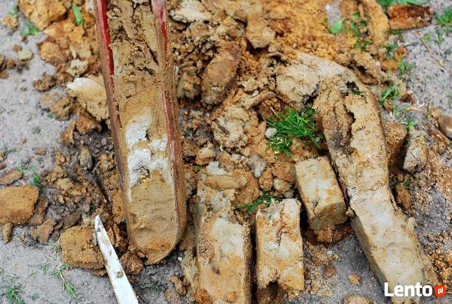 Geolog. Badania gruntu. Geotechnika. Odwierty geologiczne