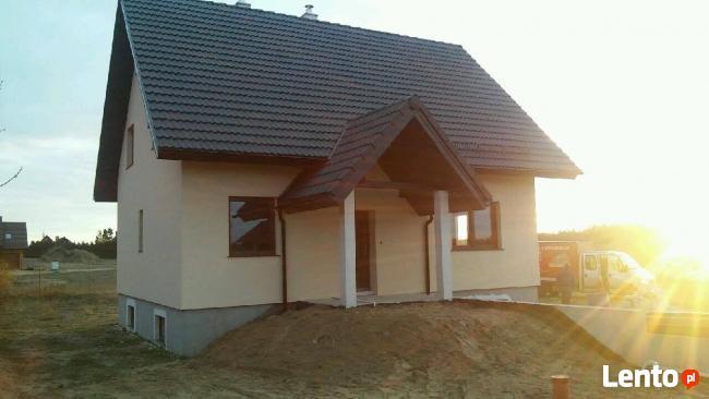 Dom całoroczny w spokojnej okolicy (jeziora i lasy)