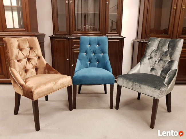 Wygodne nowoczesne krzesło tapicerowane z kołatką nowe