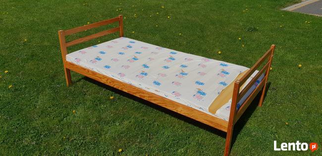Łóżko drewniane z materacem 1 os.