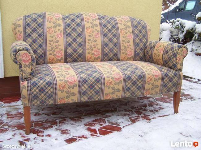 Sofa kanapa kominkowa.